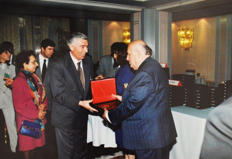 TBMM Üstün Hizmet Ödülü,1999