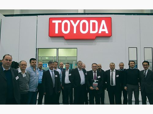 Toyoda, Misafirlerini Düsseldorf'ta Ağırladı